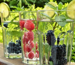 water fruits diet 300x257 - water-fruits-diet