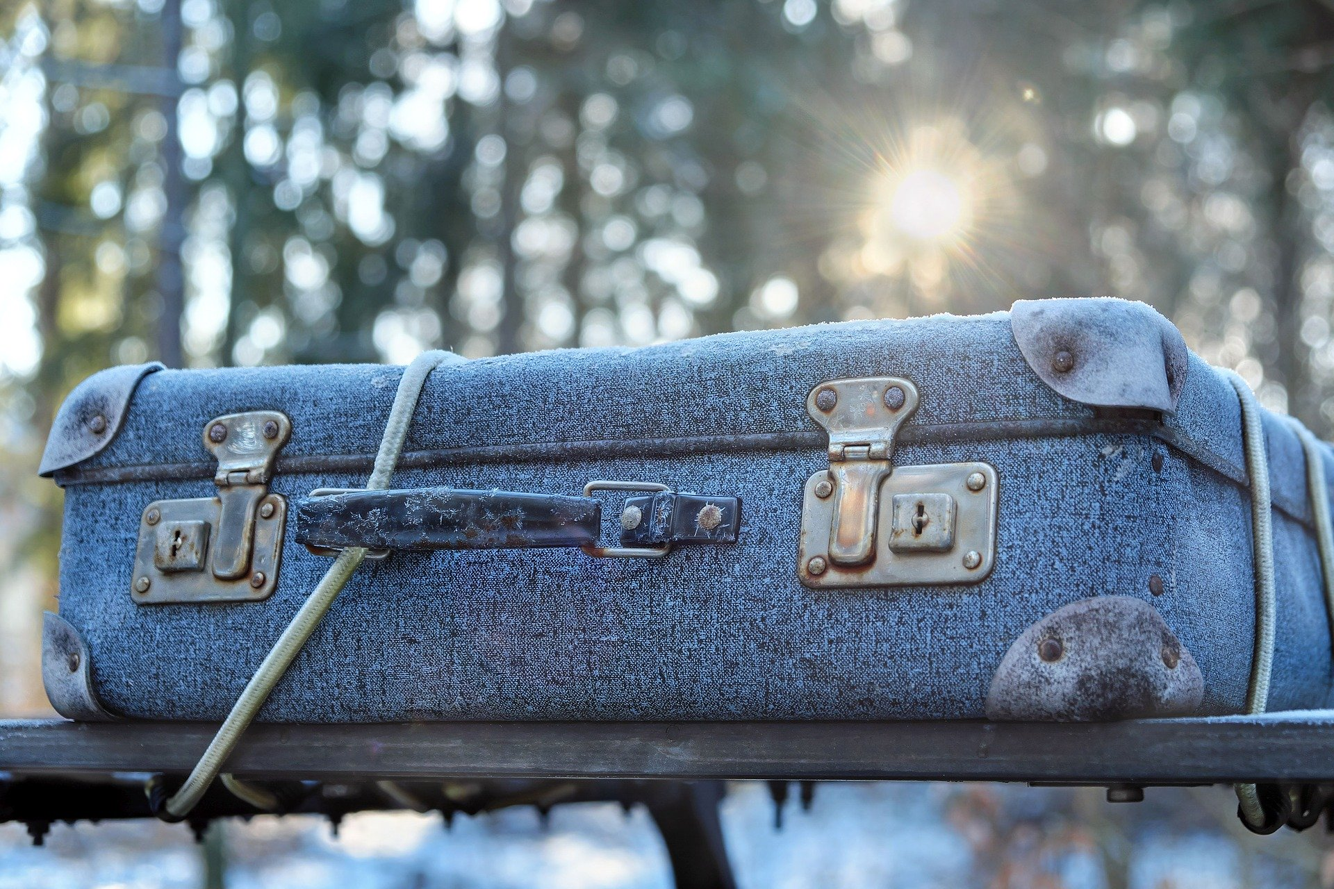luggage - Tips to Stay Healthy While Traveling